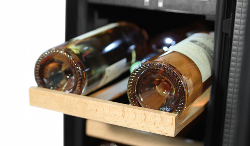 mQuvée built-in wine cooler – WineCave 30D
